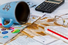 10 common business mistakes small business owners make